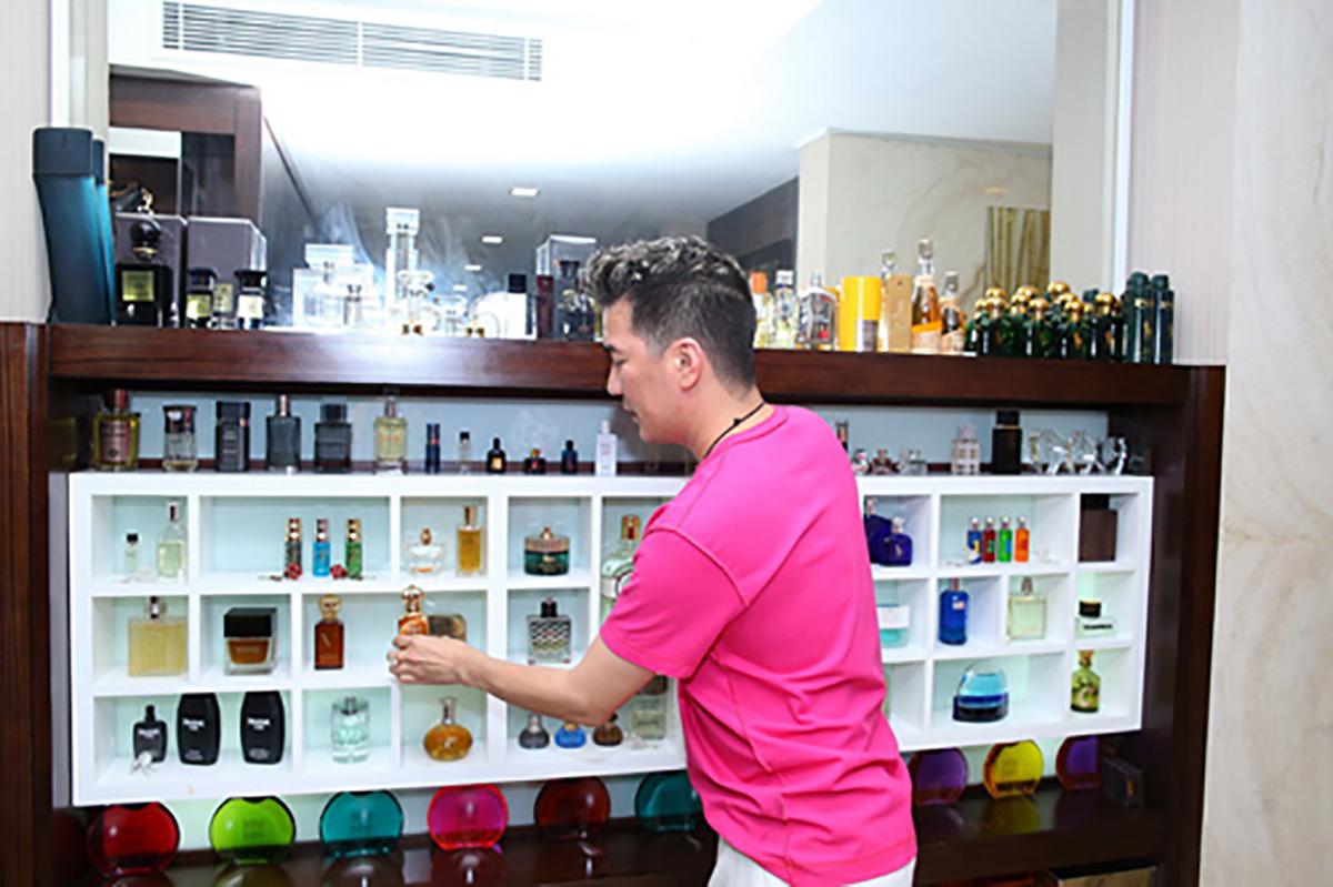 Bộ sưu tập nước hoa của ca sĩ Đàm Vĩnh Hưng