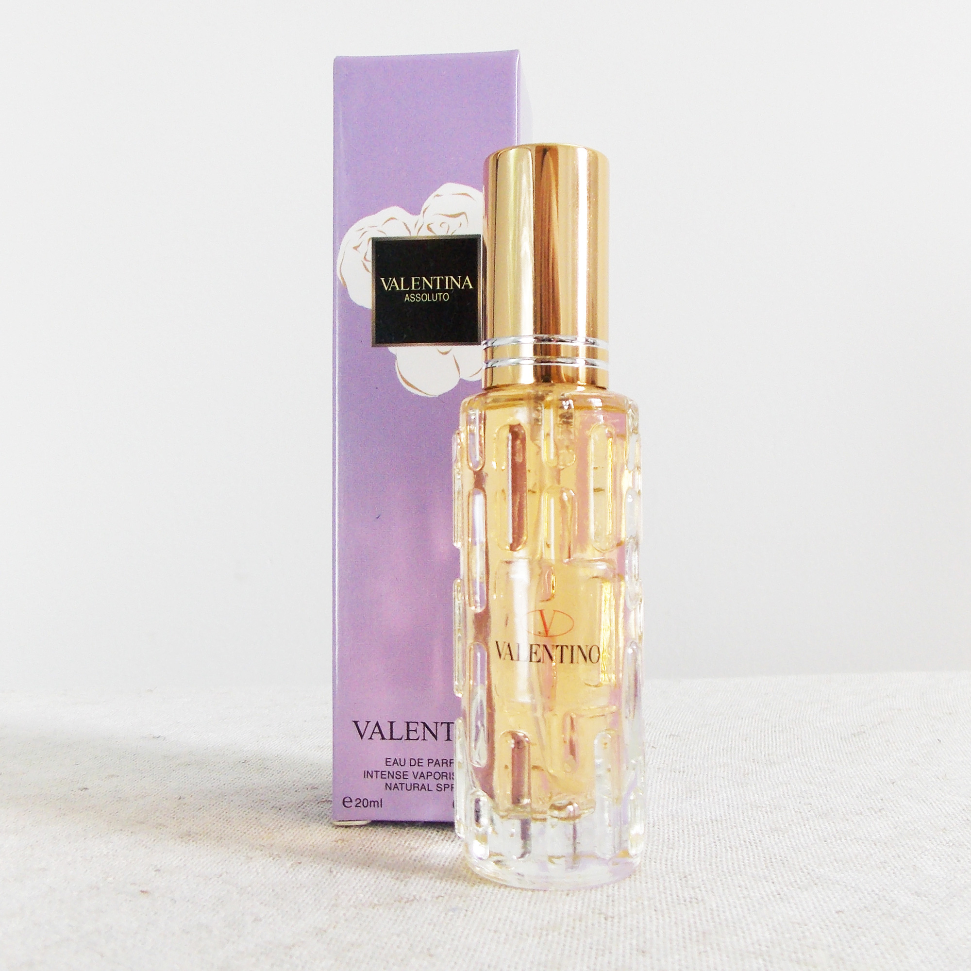Nước hoa nữ Valentino Assoluto mùi thơm dịu nhẹ, dễ chịu