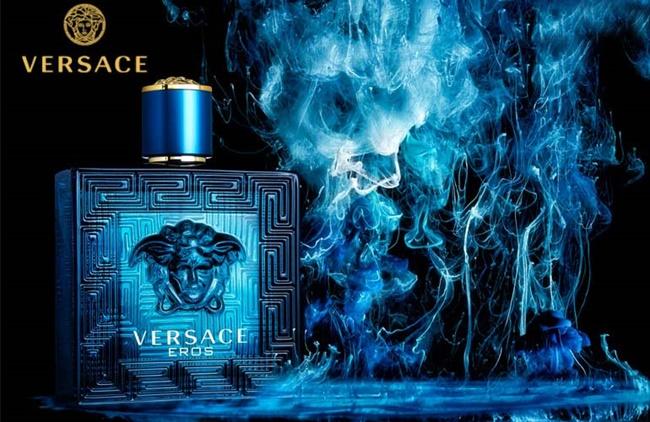 Nước hoa nam Versace Eros màu xanh mùi nam tính, lịch lãm.