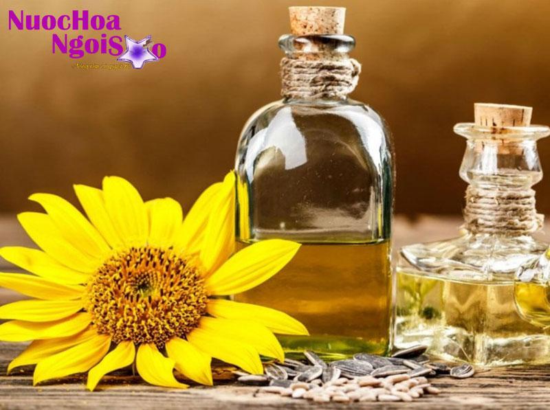 """Gỗ đàn hương cũng là một thành phần quan trọng trong họ nước hoa """"floriental"""""""