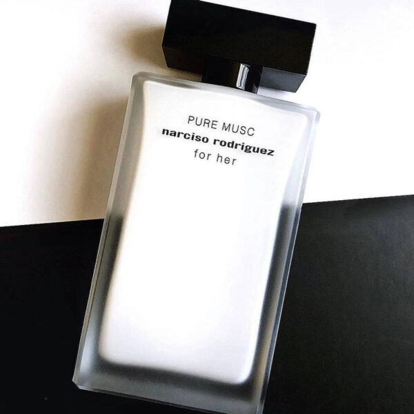 Nước hoa nữ Pure Musc For Her của hãng NARCISO RODRIGUEZ