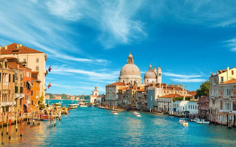 Ở thời phục hưng, giới quý tộc Ý rất ưa chuộng nước hoa